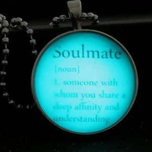 Soulmate Glowing Necklace. New!